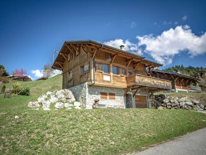 Chalet Novelin 12 people, 450m from Lac des Gets