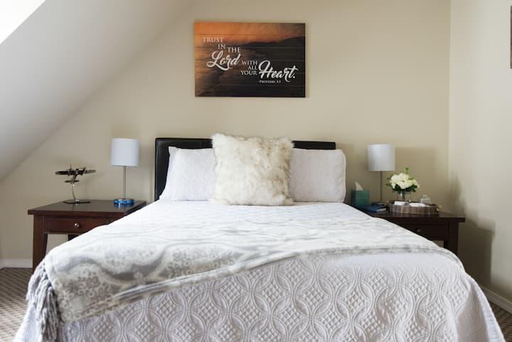 웃❤️유 SAFE GORGEOUS HIDEOUT | Comfy Bed ⭐️⭐️⭐️⭐️⭐️