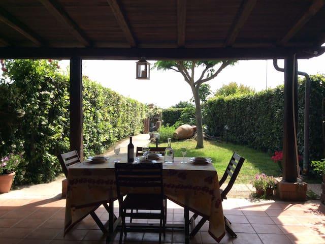 Villa con giardino vista lago - Trevignano Romano