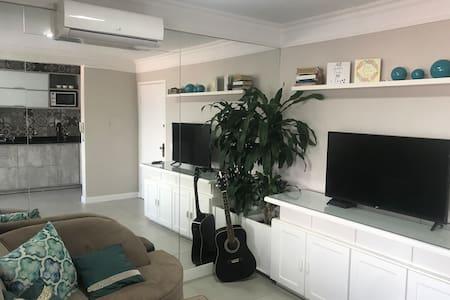 Lindo apartamento, ótima localização em NH
