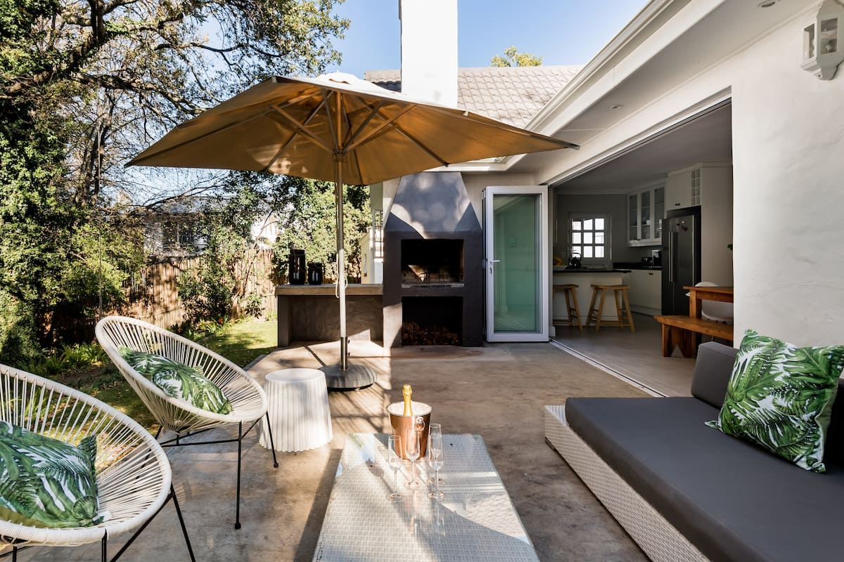 Refined Home with a Hot Tub and Fire Pit in Somerset West