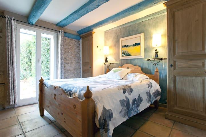 chambre, salle de bains, terrasse directe, de plein-pied