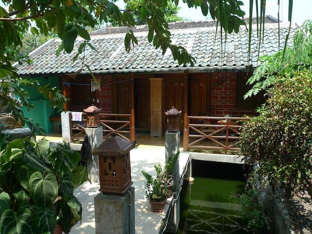Yogya: Go local, go to Homestay Mas Prio - Yogyakarta - Kabin