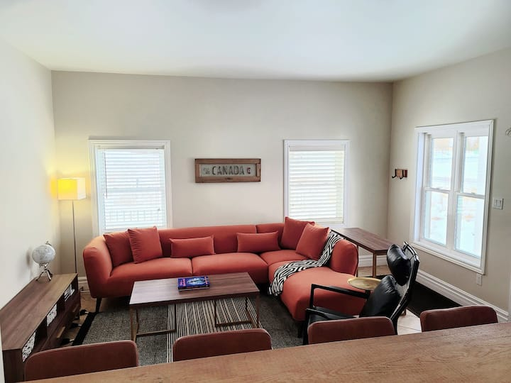 Park Place House- centrally located 3 bedroom home