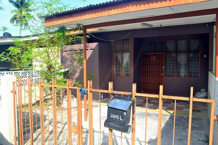 Homestay Kota Bharu, Telipot - Kota Bharu - Hus