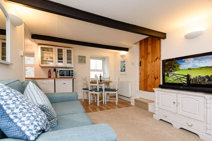 Cosy town centre property