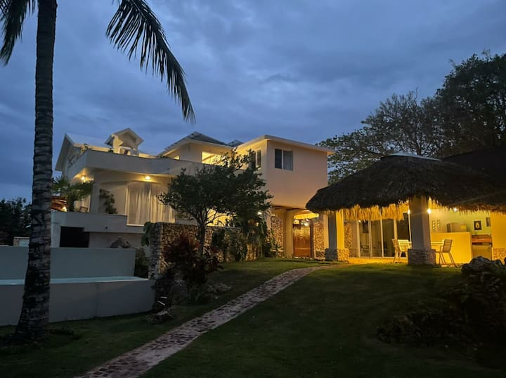 Villa Atlantis main and guest house amazing view