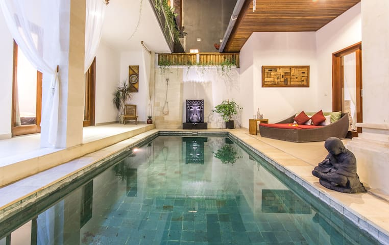 SKYE VILLA-New 3BR, Amazing Location, Seminyak