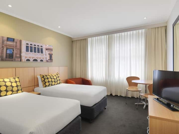 Magnificent Double Or Twin Guest Room At Sydney Cbd
