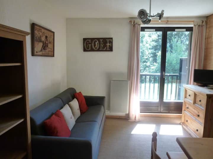 nice studio with separate cabin