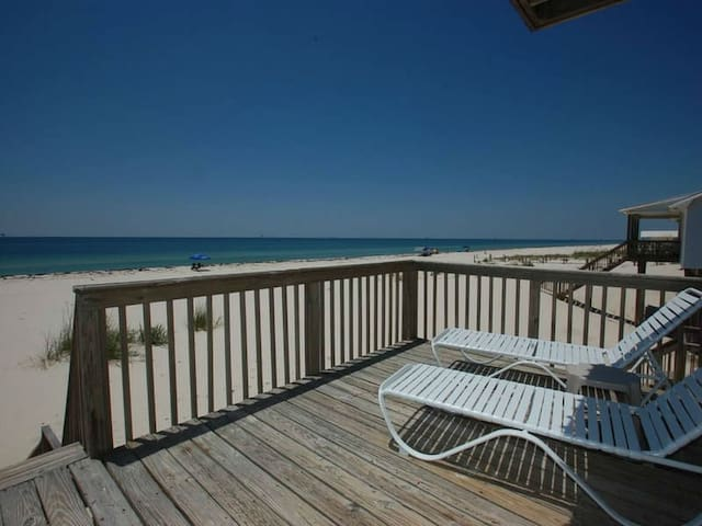 Budget, Pet Friendly, Beach Front, & Quick online booking for activities!!