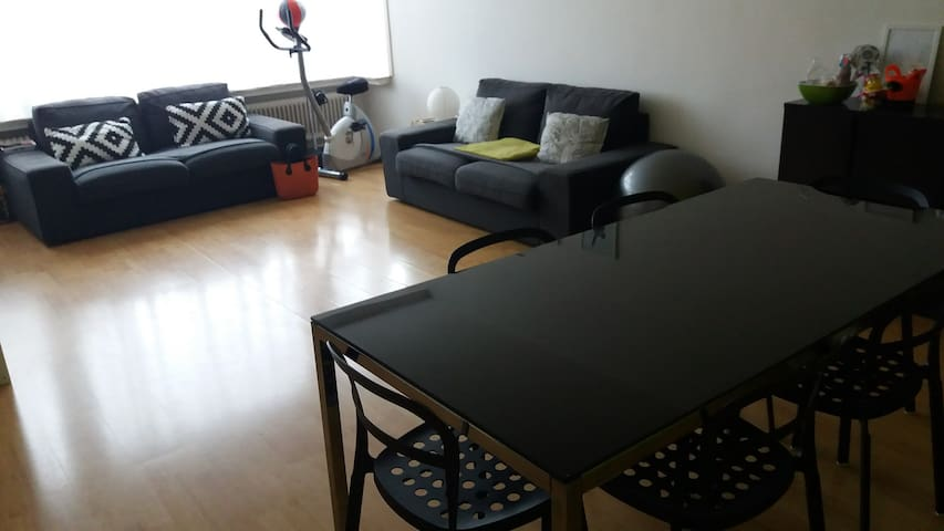Cozy private room - Ideal location - Schaerbeek - Apartemen