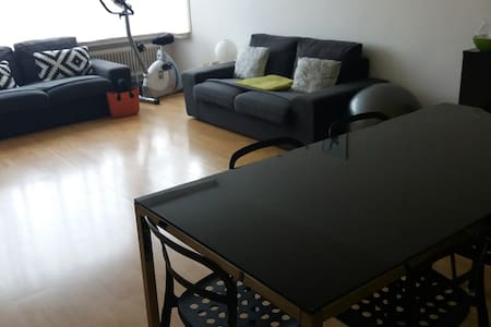 Cozy private room - Ideal location - Schaerbeek - Wohnung