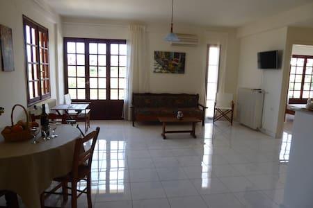 Kalathas sea, spacious sea view appartment 4