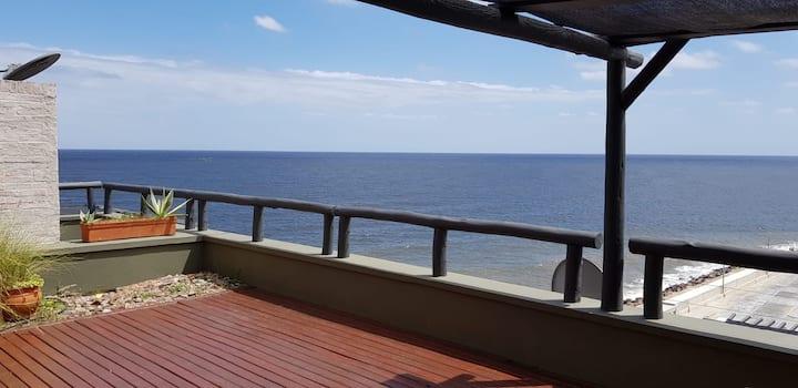 Ático con magníficas vistas al mar y atardeceres
