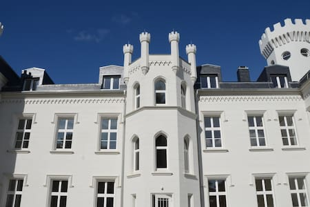 """Schloss Studio an der Ostsee am """"Tor nach Rügen"""""""