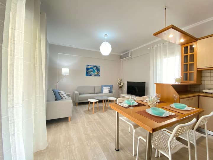By the sea menidi 3 bedroom flat FAST WIFI NETFLIX