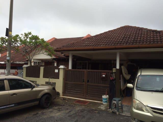 Homestay 3 bilik - Kuala Selangor - Huis