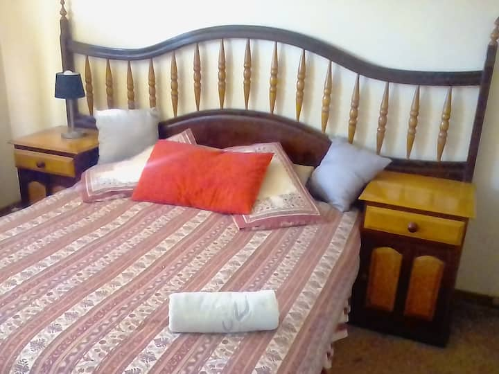 emergency self catering overnight room in camelot