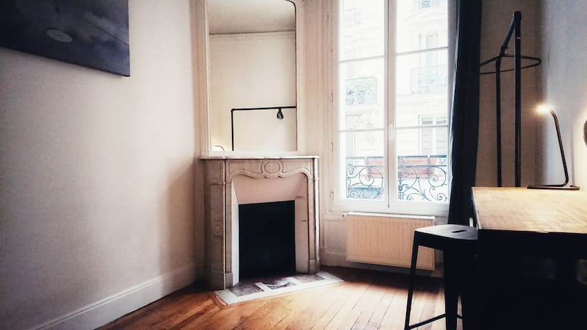 Room in Batignolles