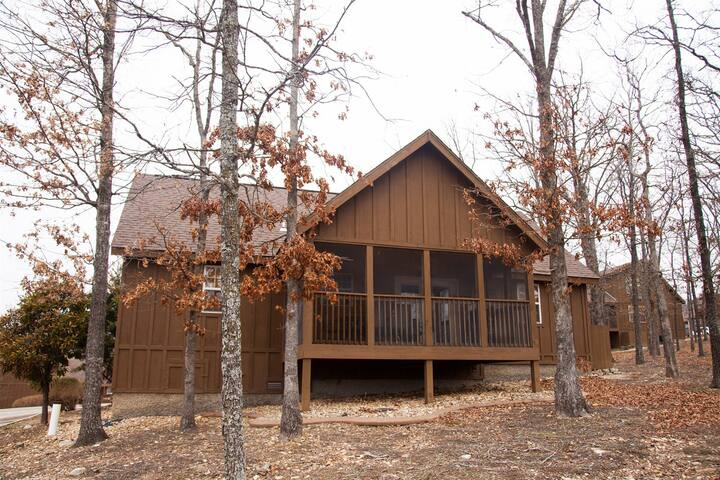 Lazy Bear Lodge At Stonebridge-Near Silver Dollar City- Great Last Minute Deals!