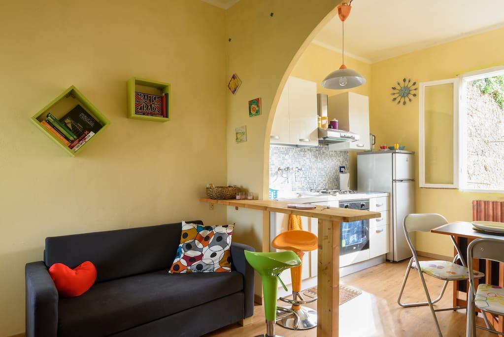Living room and kitchen salottino e cucina