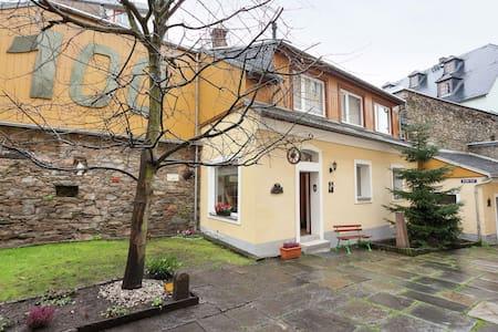 Alluring Holiday Home in Annaberg - Buchholz near Nightlife