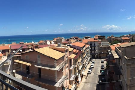 Breathtaking sea view 4thfloor flat - Trabia - Apartamento