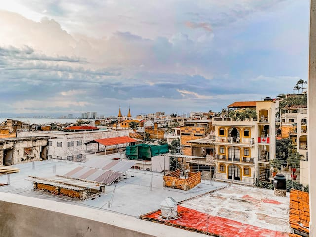 Excellent location and terrace in the center of PV