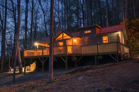 PISGAH GETAWAY Mountain Cabin: Hike, Fish, Cookout