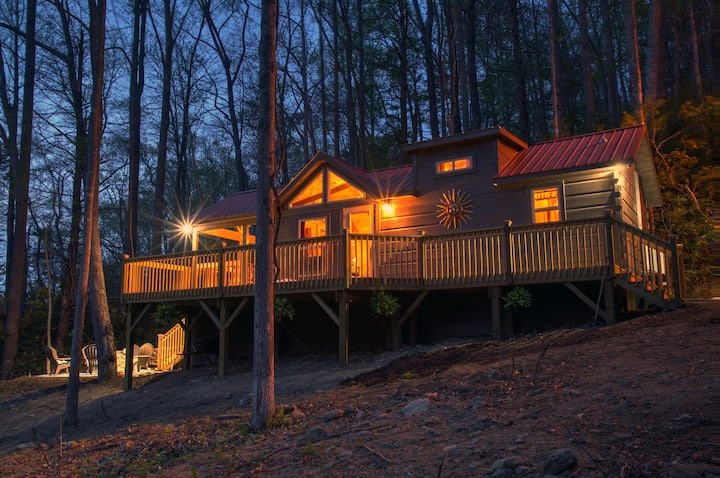 PISGAH GETAWAY Mountain Cabin: Hike, Fish, Cookout