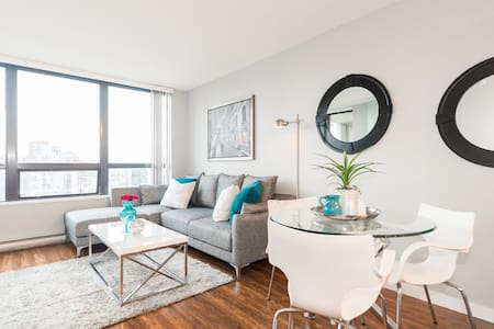 Downtown Living - 1BR with Parking (E2) - Vancouver - Appartamento