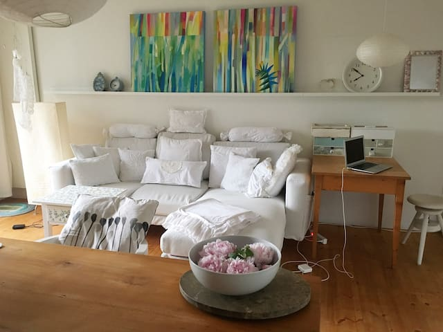 Cozy, spacious flat with Garden, 17min from Zurich