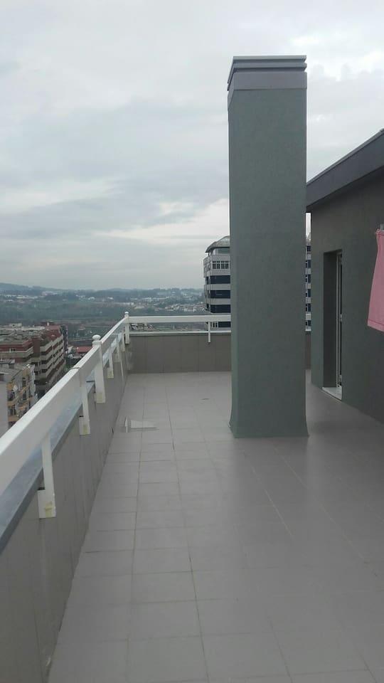 A varanda que dispõe da melhor vista na própria cidade de Barcelos,onde brevemente poderá fazer as suas refeições na mesma !!!!