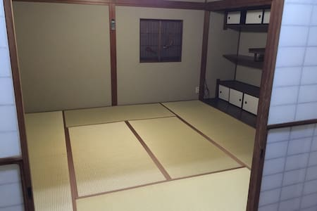 Wi-Fi あります  このお部屋は八畳の和室です