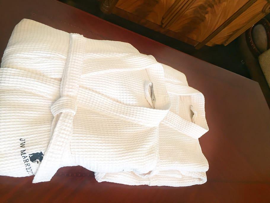 Всегда свежие и белоснежные банные халаты