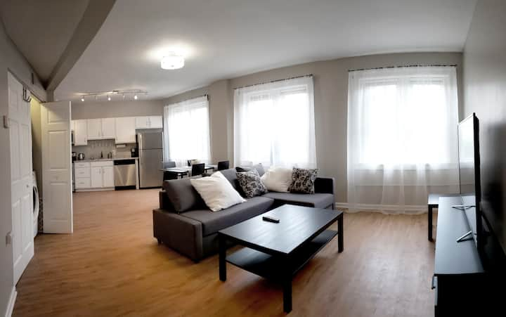 SPACIOUS 1 BEDROOM APT K2 (Ozone Treated)