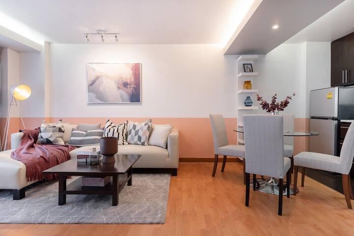 Best ROOM  Fully Furnish  1 Bed Near MRT
