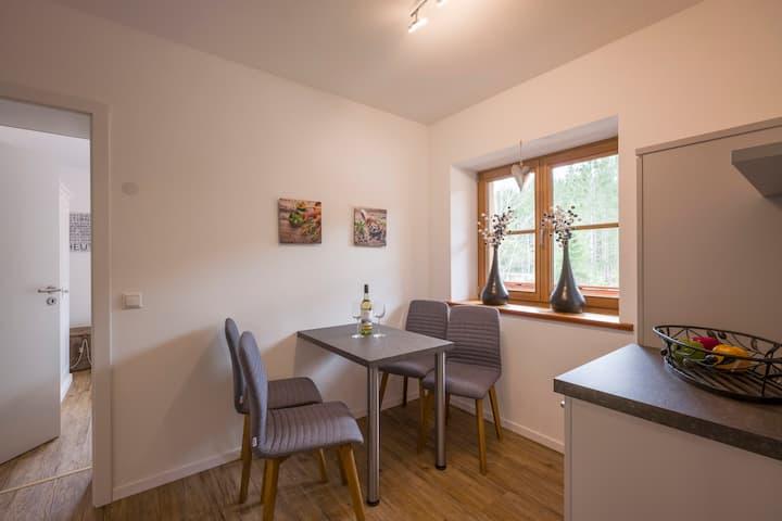 "2-Zimmer-Whg ""Waxegg"": Küche, Balkon, Boulderwand"