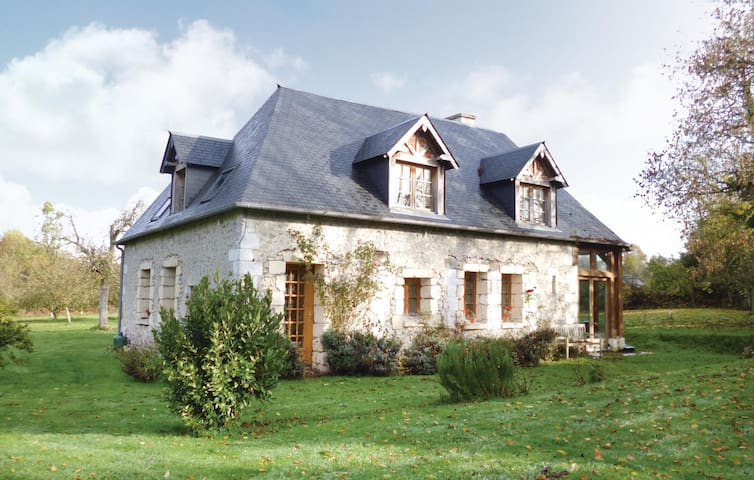 Holiday cottage with 3 bedrooms on 125m² in Honfleur