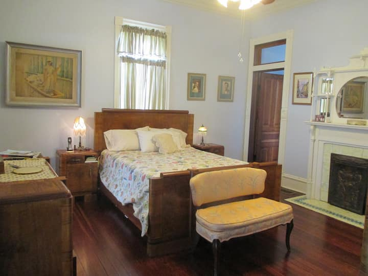 Victorian Farmhouse Downstairs Room