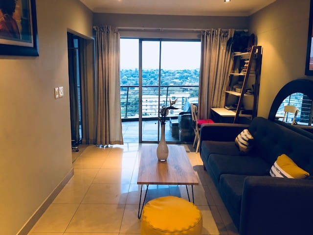 Amazing 1 bedroom in Sandton with view