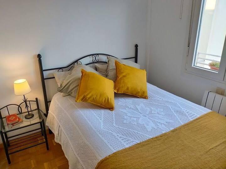 Habitación + salón privado, con vistas a Madrid