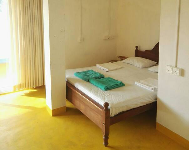 Arthol Beach whole villa, 5 bedroom - Tangalle - House