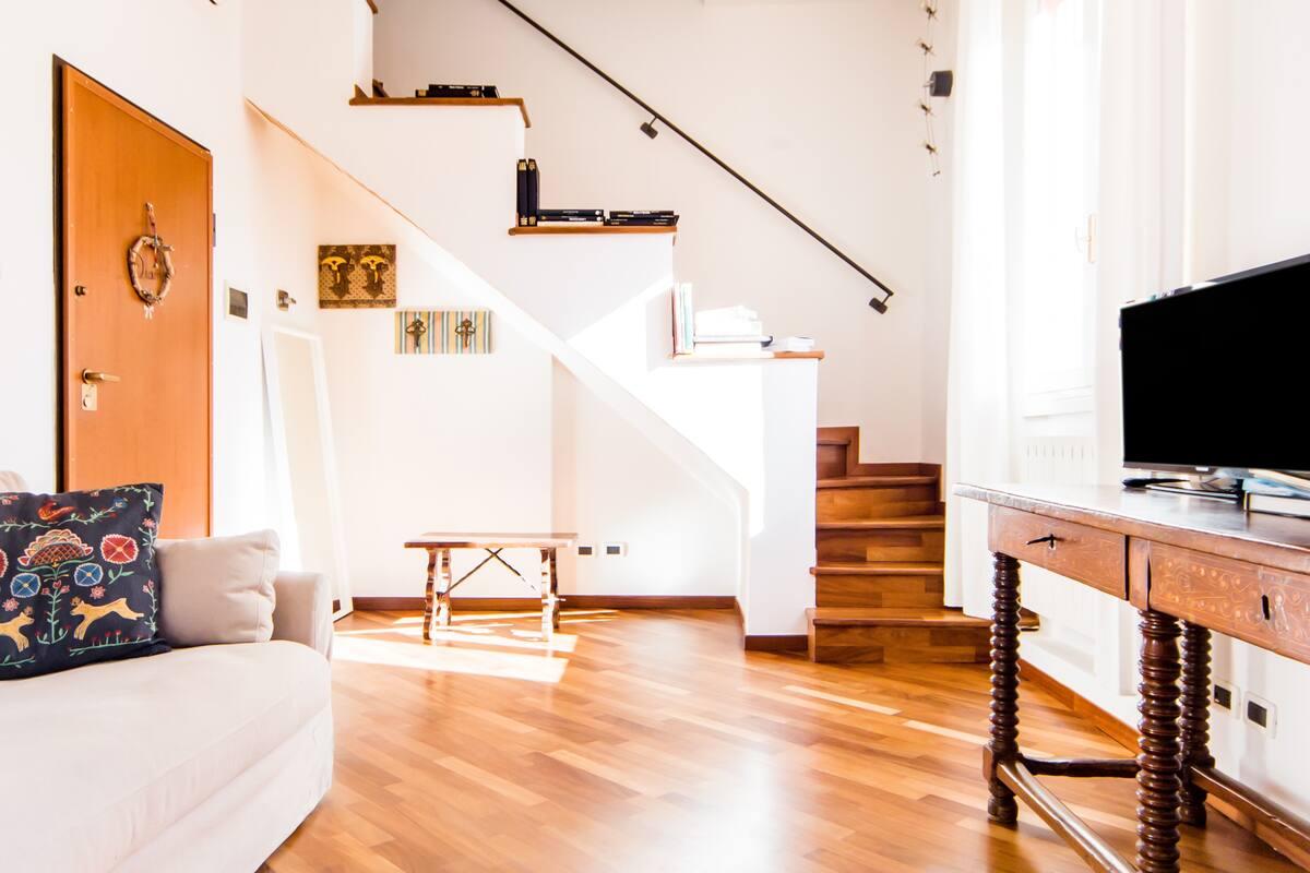 Appartamento accogliente silenzioso in palazzo storico vicino alle Sette Chiese