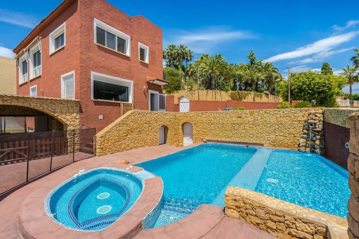 Villa Penelope, with private Pool and Terrace