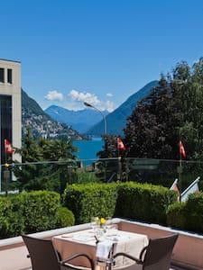 Delfino's - Lugano - Bed & Breakfast