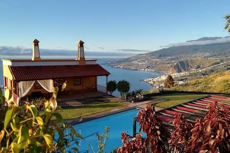 Hibisco House: villa con piscina, spa y barbacoa.