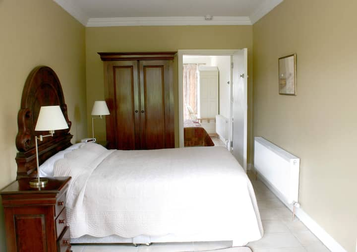 Coolanowle Country House Family Suite