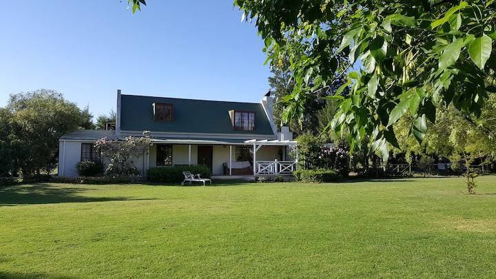 Pepper Tree Cottage at Reeden Lodge, Franschhoek
